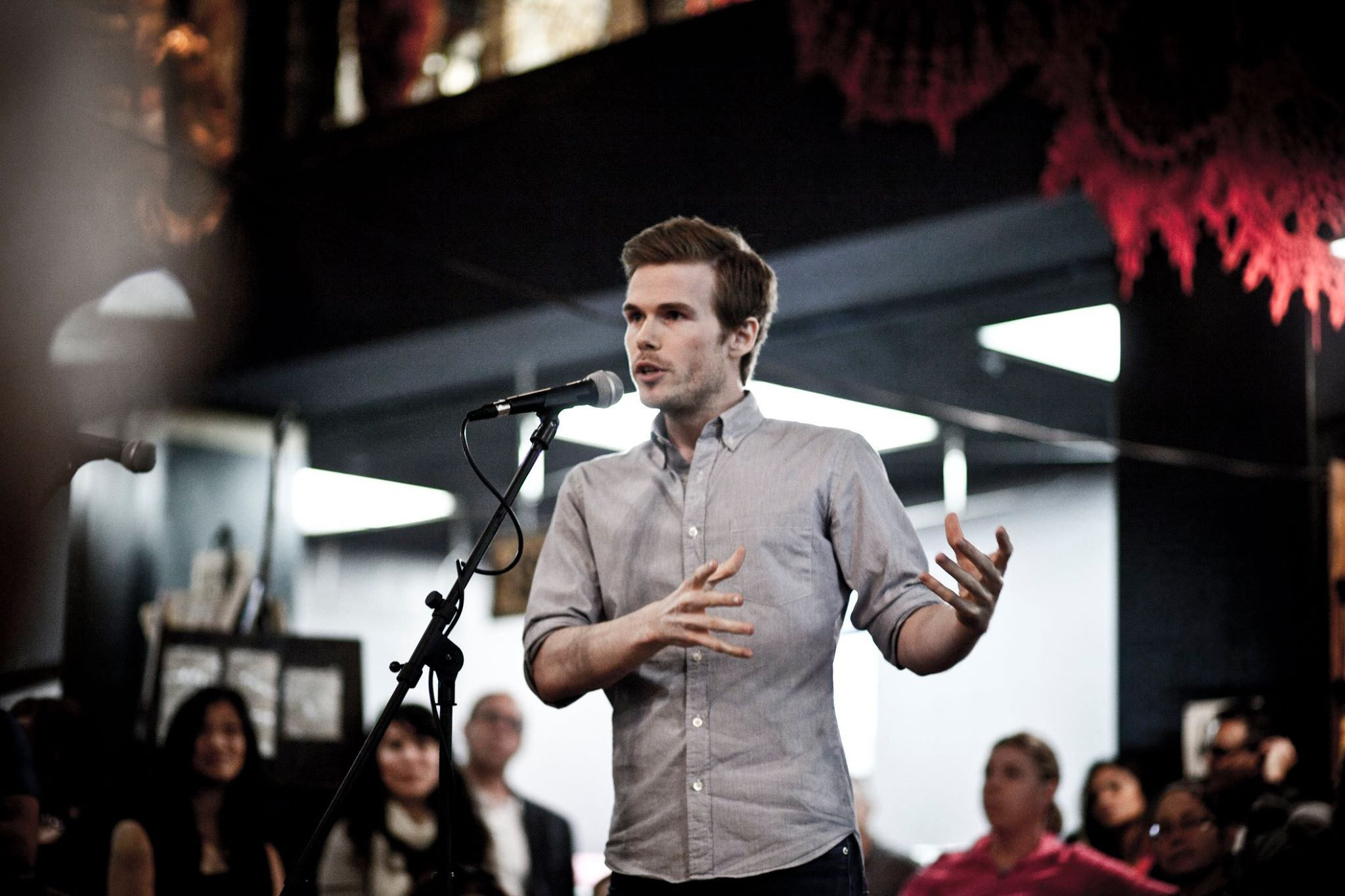 Colin Wright speaking at the Last Bookstore in Los Angeles